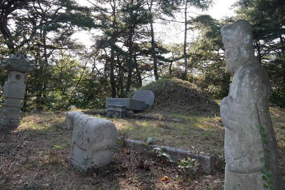 cemetery20-2.jpg