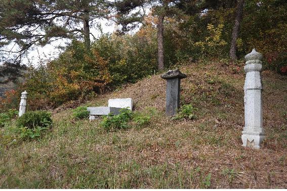 cemetery23-2.jpg